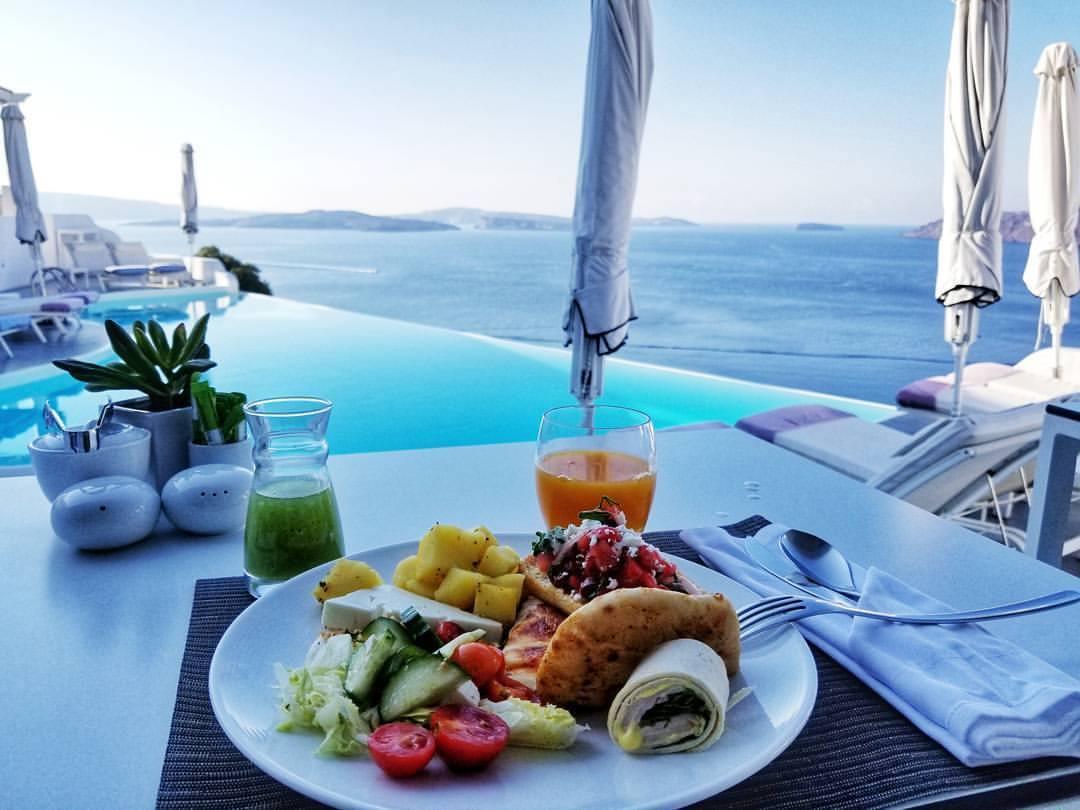 Santorini Eats